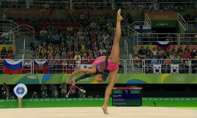 Художественная гимнастика. Выступление Маргариты Мамун с булавами.